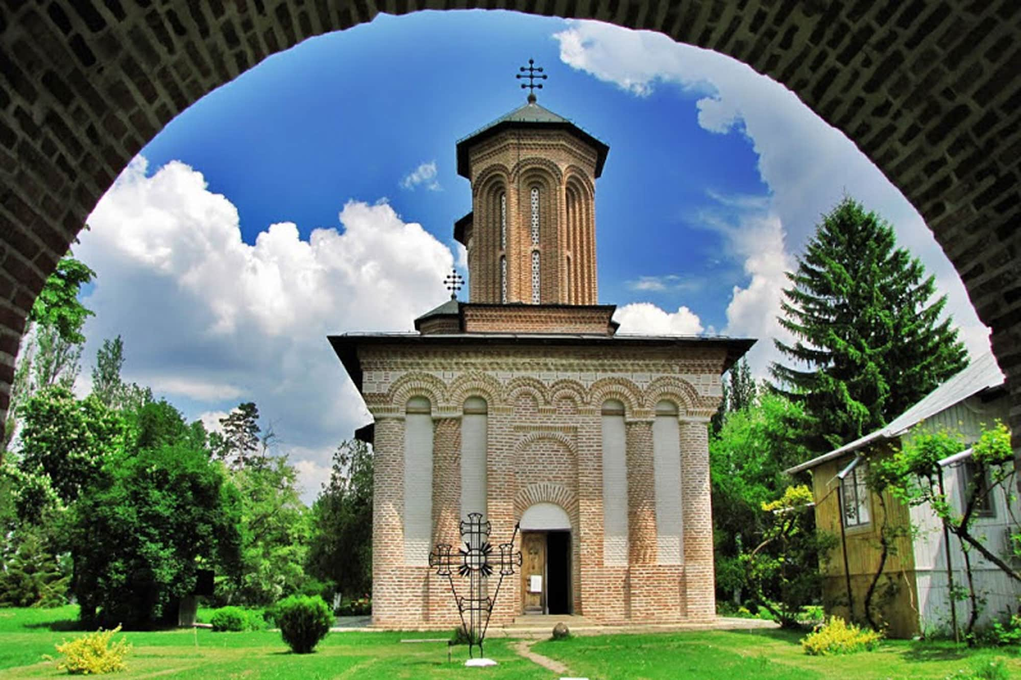 mogosoaia-palace-snagov-monastery-caldarusani-monastery-3