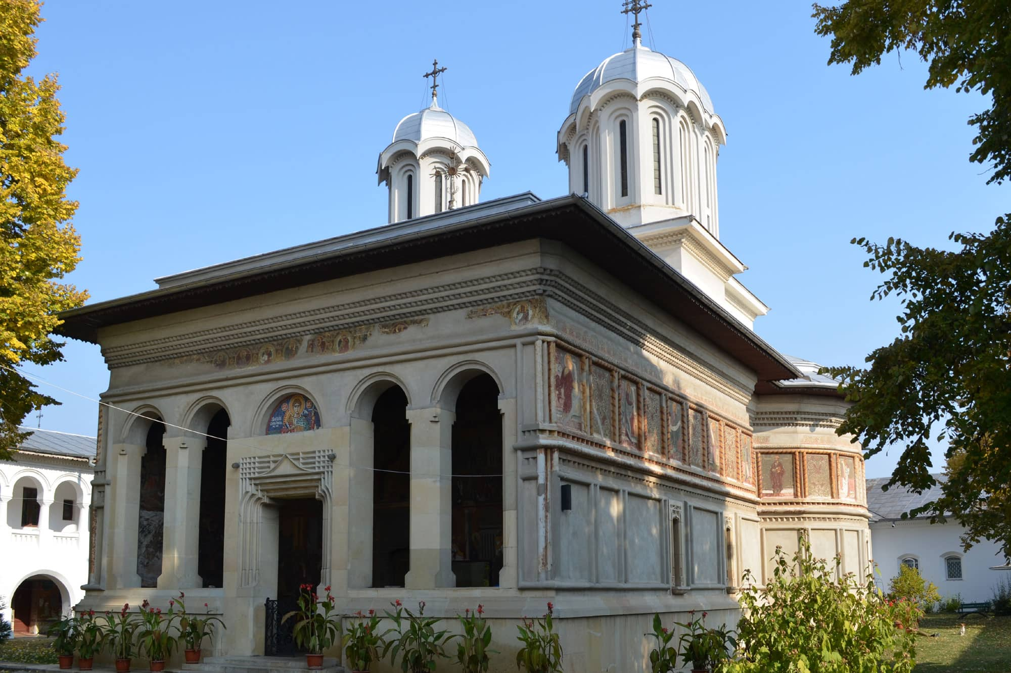 mogosoaia-palace-snagov-monastery-caldarusani-monastery-6